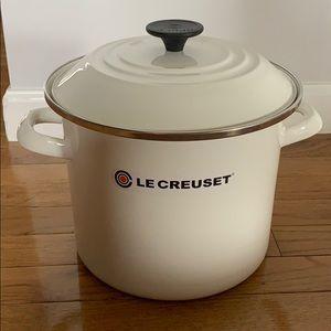 Le Creuset White Stock Pot with Lid 6 Quart